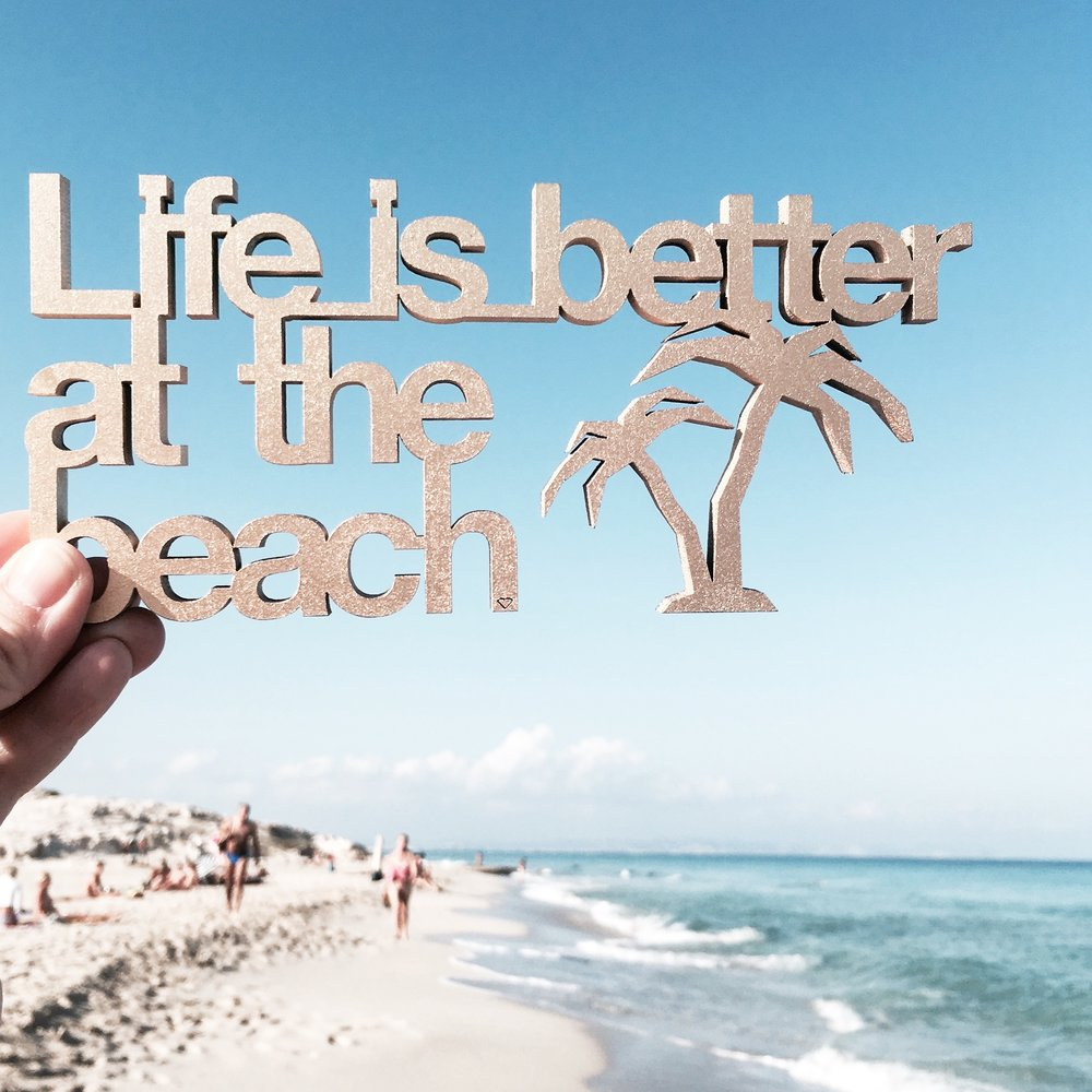 5bb24a42b6 Life is better at the beach, 19,50 € - NOGALLERY - 3D wood lette